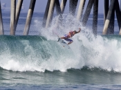 ASP WCT Talent Leads Round 1 of Vans US Open of Surfing