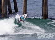 Men's ASP Prime and Women's WCT Scheduled for Vans US Open of Surfing Today