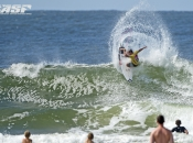 Burrow, Wilson, Slater and Fanning Through to Quiksilver Pro Gold Coast Quarterfinals
