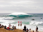 Opening Day of Billabong Pipe Masters is ON